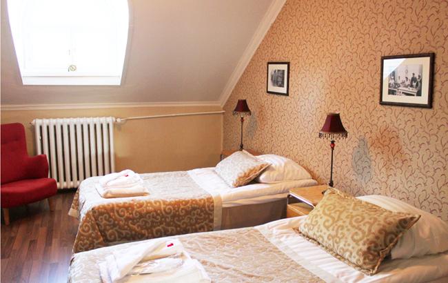 10 Sissin huone