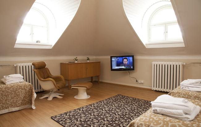 7 Corner Room